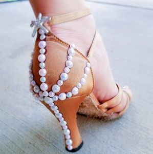 Custom dance shoes 👠 Latin, ballroom, Salsa heels